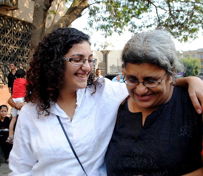 Democracy Now! entrevista a ativista egípcia Laila Soueif sobre a prisão de seus filhos